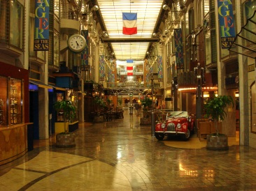 Voyager of the Seas - The shops along the Promenade