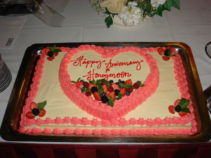 Voyager of the Seas - Honeymoon and anniversary cake for all whom are celebrating