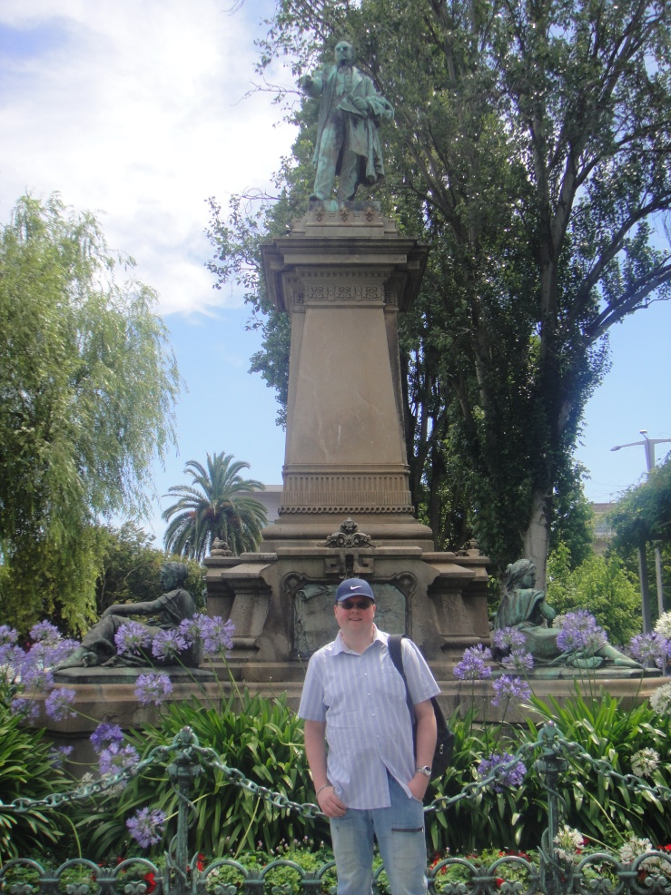 Vigo - July 2012 - Jason and statue