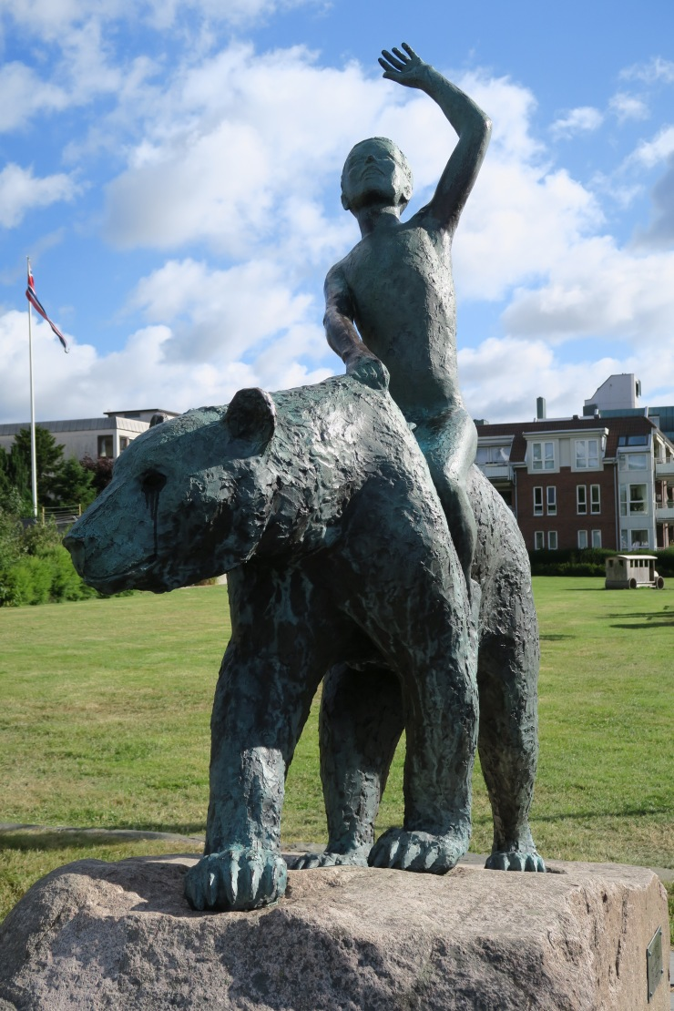 Kristiansand - June 2017 - statue of bear and man