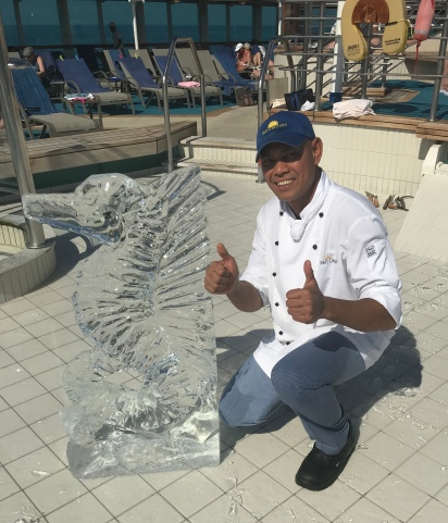 P&O Oceana - Oct 2017 - ice carving
