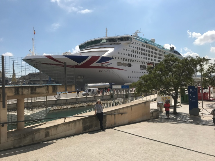 P&O Oceana - Sept 2017 - me outside ship at Malta
