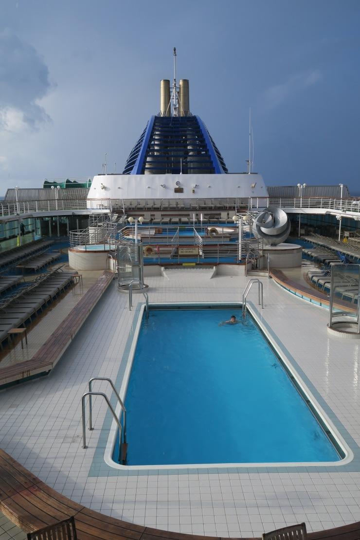 P&O Oceana - Sept 2017 - pool