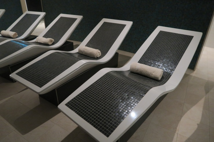Symphony of the Seas - Vitality Spa - Hot beds