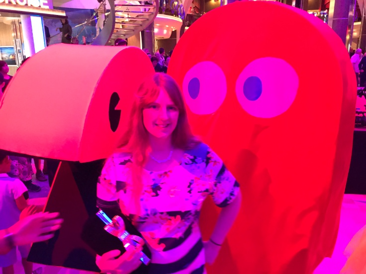 Symphony of the Seas - Florence/Pisa April 2018 - parade Joanne and Pacman