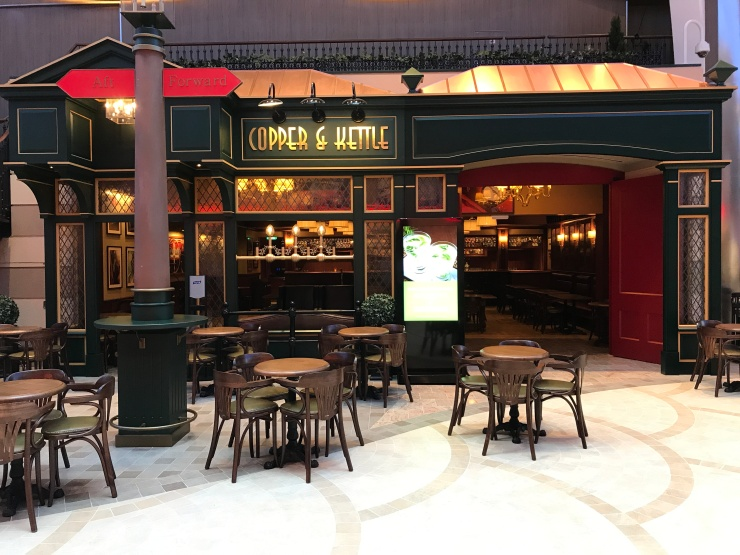 Symphony of the Seas - English Pub - Copper and Kettle